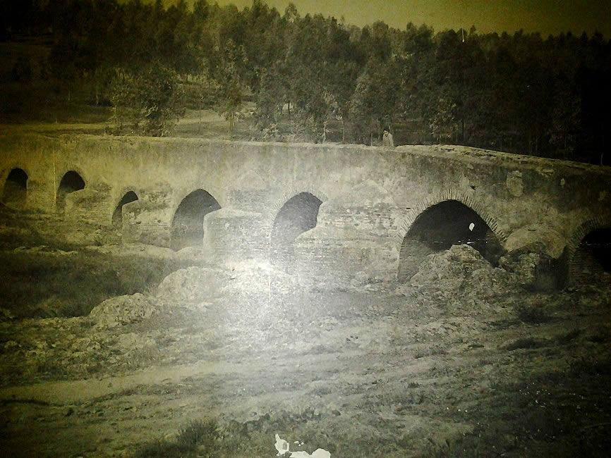 Puente romano años 70 siglo pasasdo